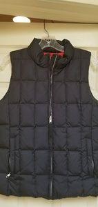 Ladies Gap black puffy vest